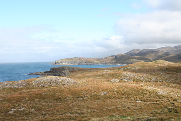 The cliffs and cairns to the North of Sanna