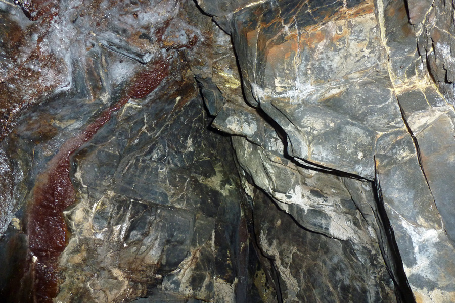 Interesting colours in the rocks in the roof of Prince Charlie's cave