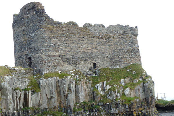 Mingary Castle showing western and southern defensive curtain walls