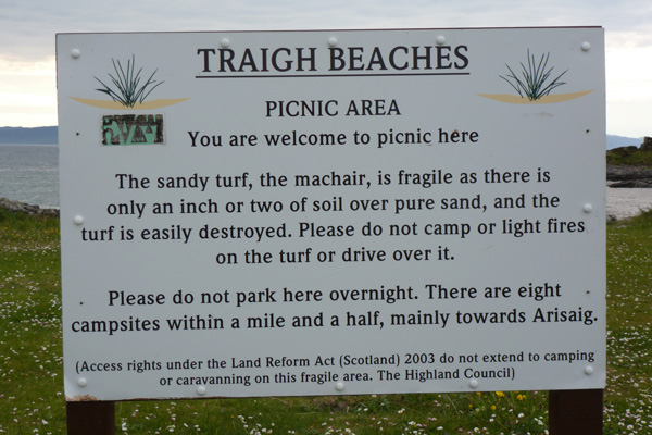 There are a number of campsites nearby so please do not camp on the machair.