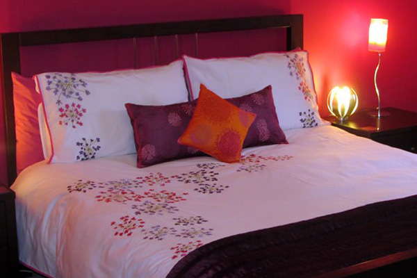 Brae Mhor Cottage - ensuite double bedroom with beautiful views of Ben Nevis