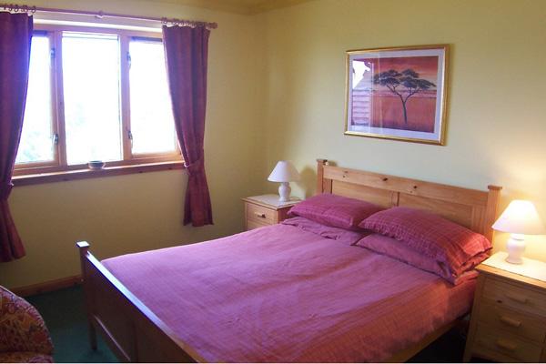 Fernbank Cottage - double bedroom