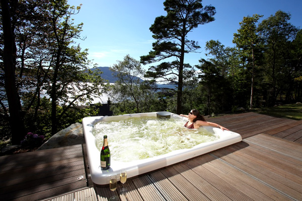 Knoydart House Luxury Accommodation - Hot tub