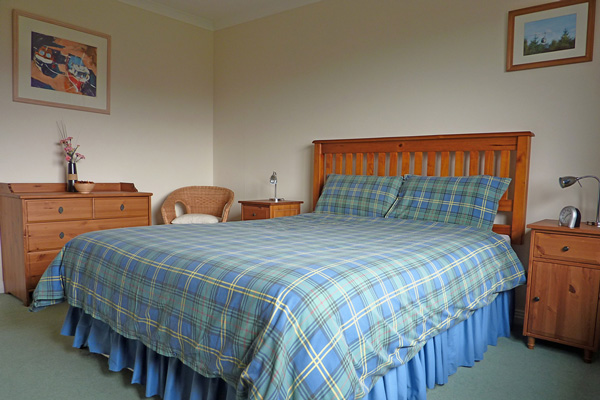 Lapwing Rise - Double bedroom
