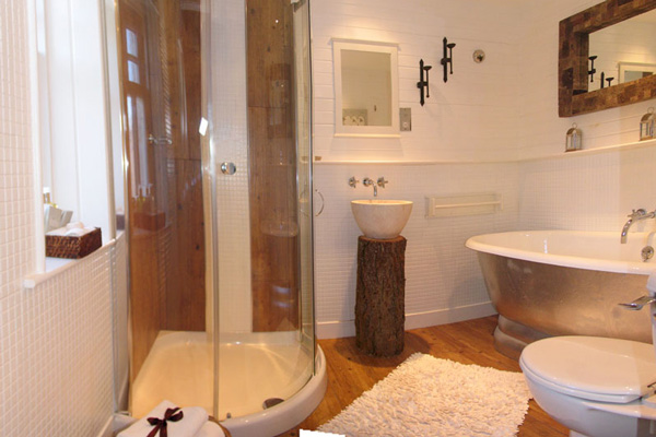 The Old Byre - Bathroom