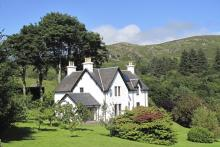 Five Star Glenmore House sleeps 8
