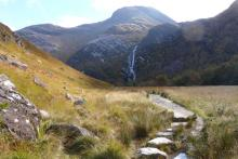 The path towards the waterfall