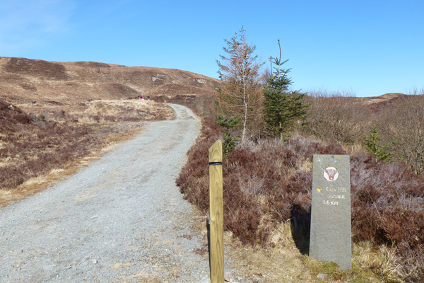 Marker post and path to Cow Hill Summit