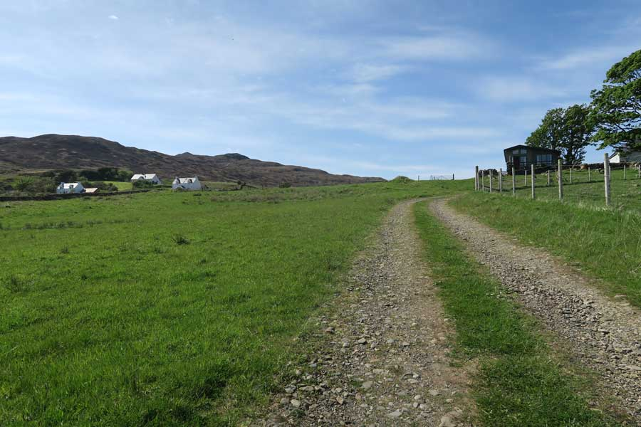 The track up through Grianan croft