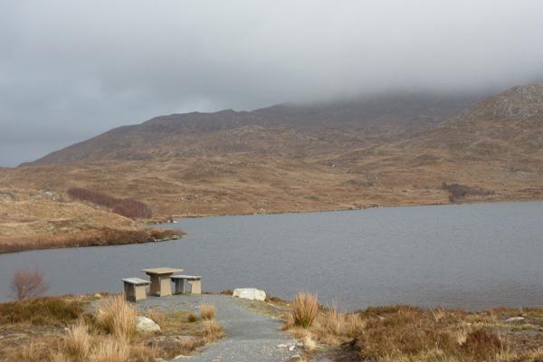 Picnic bench at Loch an Nostarie