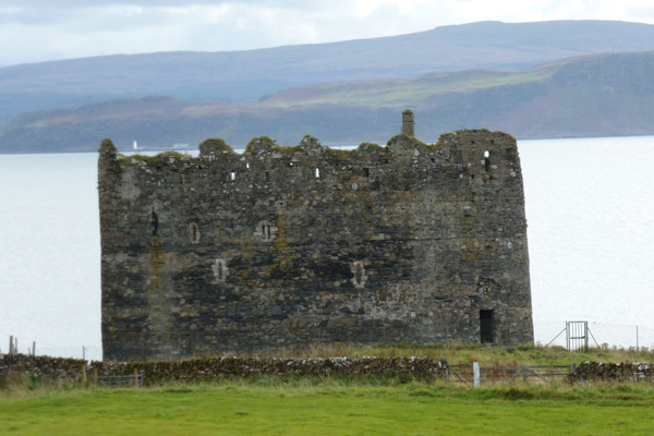 North side of Castle showing lancet windows and crenulate battlements