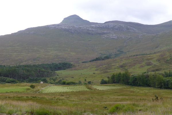 Fine ridge views including Hallival on North Side Trail