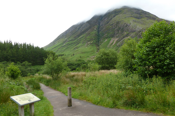 The start of the walk from the carpark off the A82