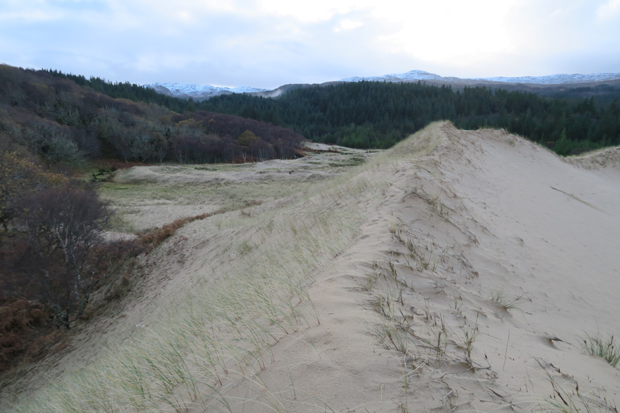 The ridge of one of the impressive sand dunes at Cul na Croise